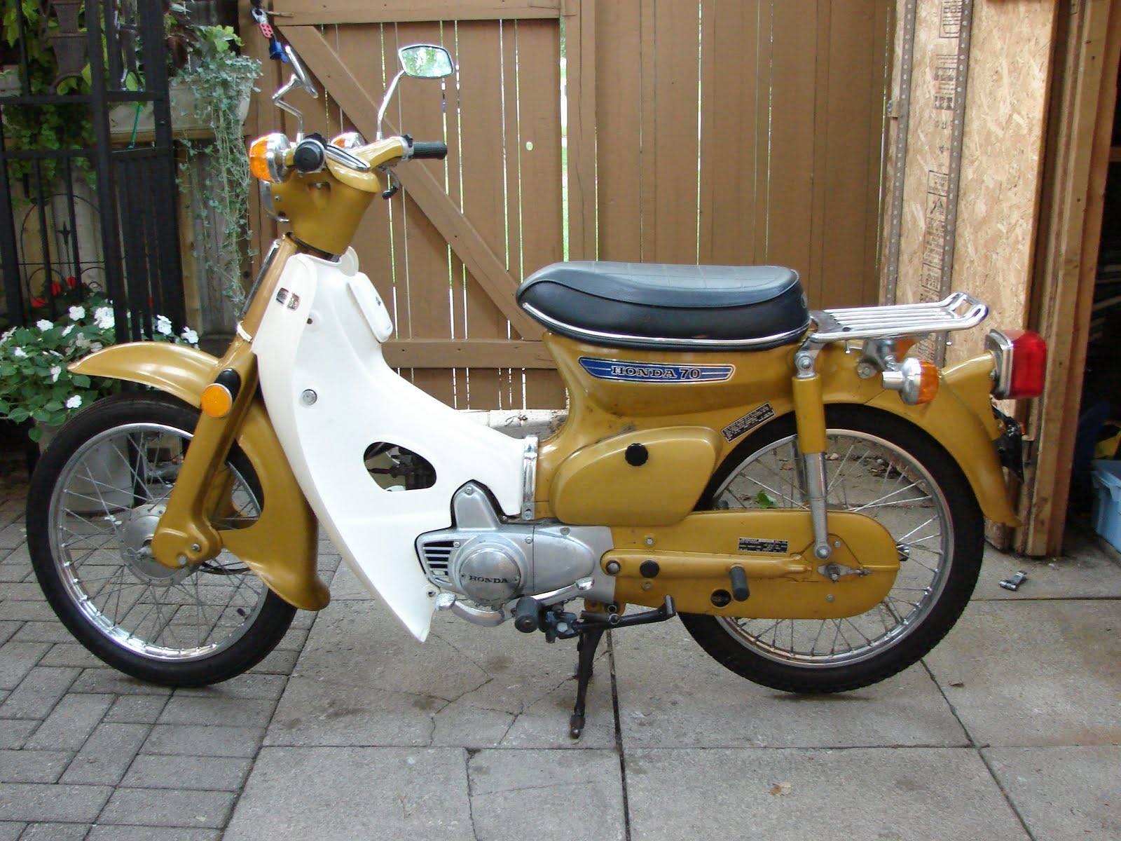 La moto más vendida de la historia y su hermana 'punkarra'