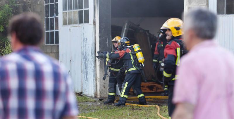 Incendio en un edificio de la firma Hermanos García en Ezcaray