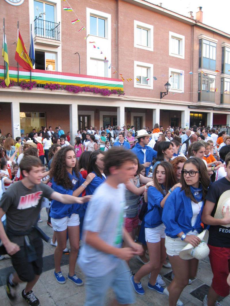 Lardero tira el cohete de las fiestas de San Pedro y San Marcial