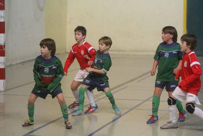 El polideportivo de Lardero acoge el torneo de fútbol sala Ángel de Vicente