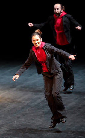 El público disfruta de ¡Eooo!, deTrakatap, en el XXX Festival del Marionetas del Bretón de Logroño