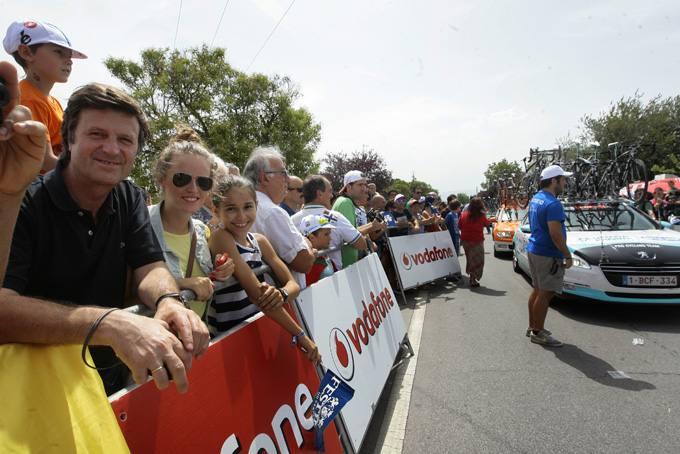 Salida en Bodegas Faustino de la segunda etapa de la Vuelta a España