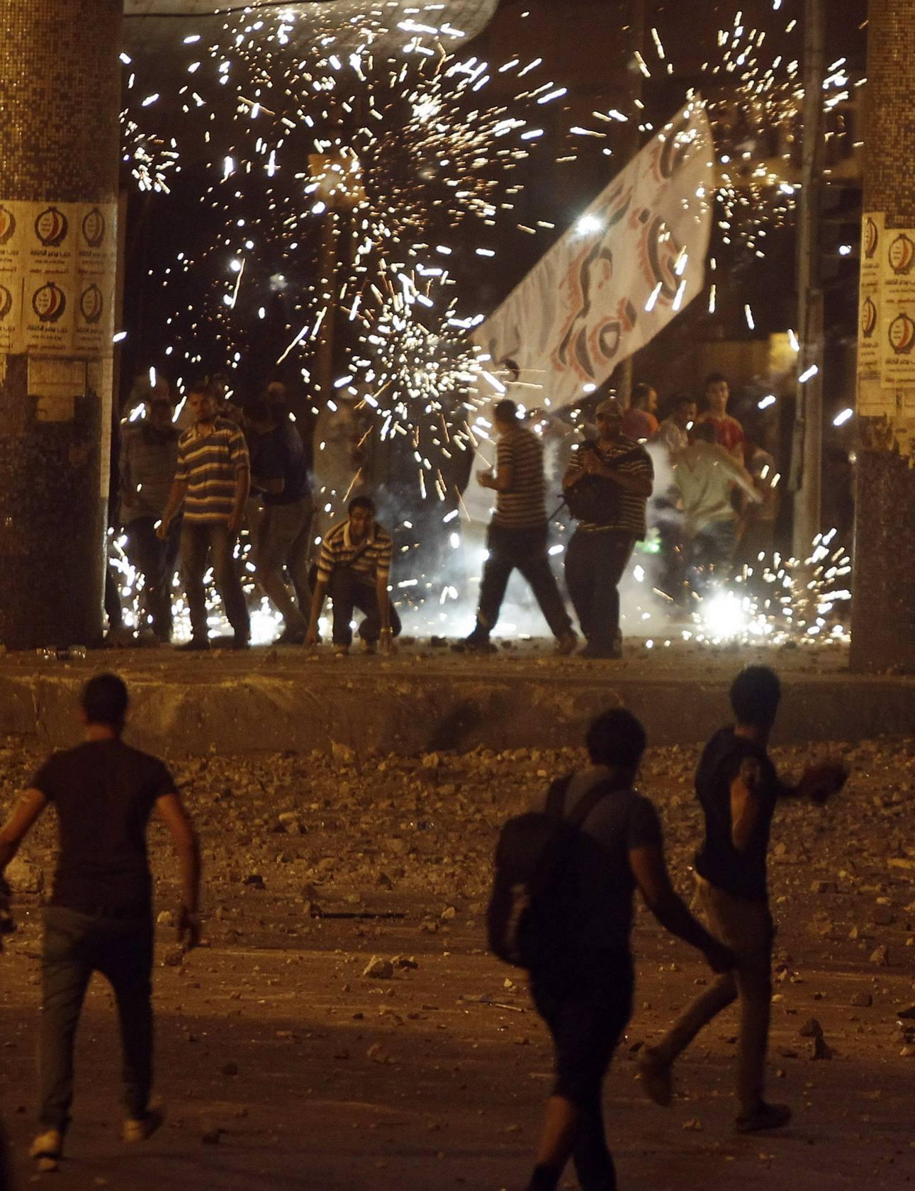 Violentos enfrentamientos entre partidarios y detractores de Mursi